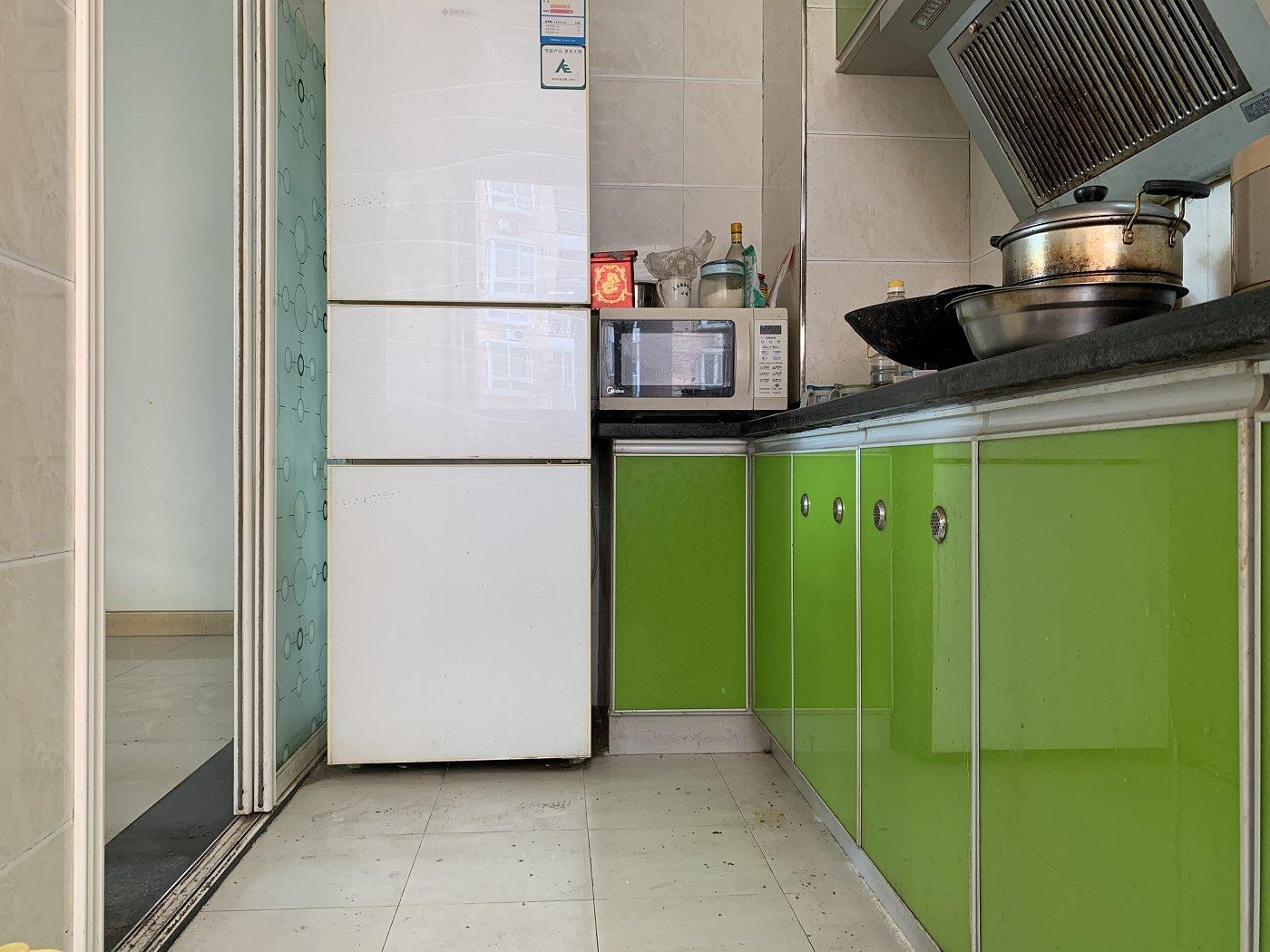 南坪东路 阳光华庭二房97万二手房厨房及卫生间图
