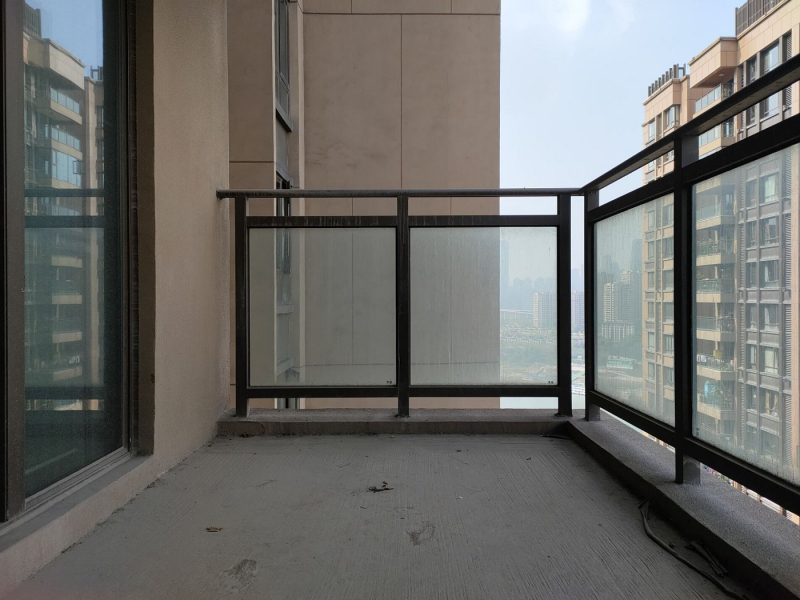弹子石 长嘉汇一期三房450万租房阳台图