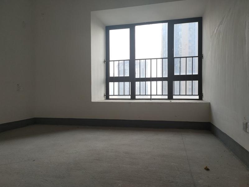 弹子石 长嘉汇一期四房380万租房卧室图