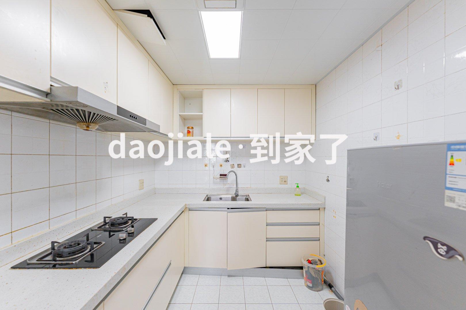 五四温泉 信茂温泉公寓三房498万二手房厨房及卫生间图